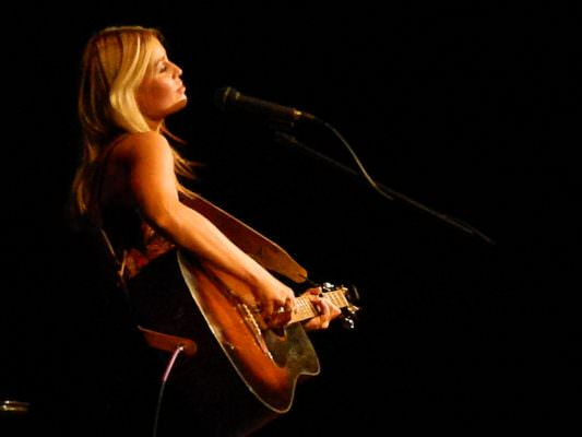 Sofia Talvik live. Photo byline Tom Phillips must be included.