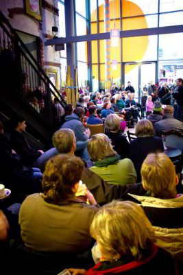 Packed house at Cake & Tunes, Schwankhalle in Bremen